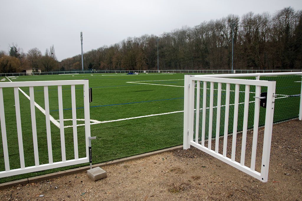 Travaux, stade de foot Robert Desnos